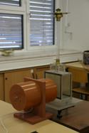 pracoviste/12102/lab_fyzikaII/u_14_1.jpg